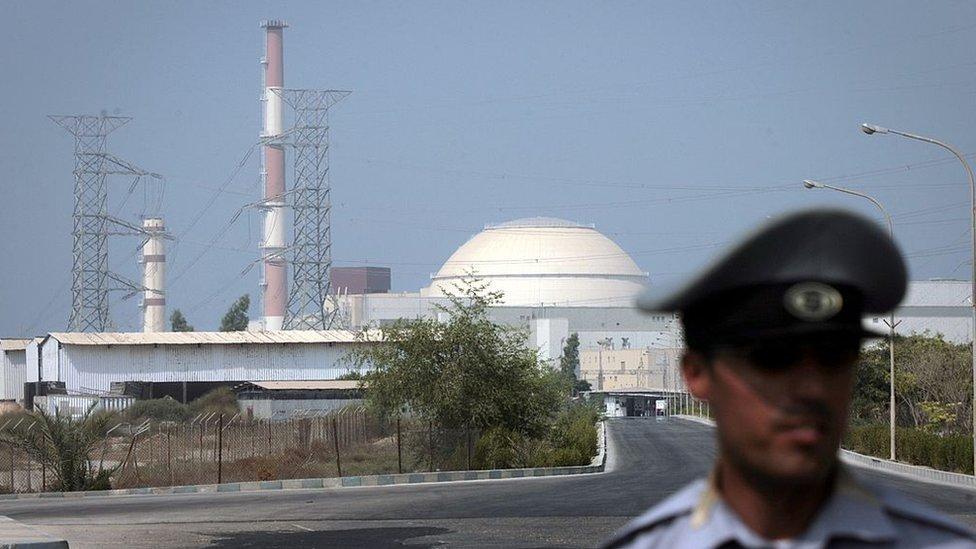 Teherán afirma que podría aumentar el enriquecimiento de uranio hasta 5% para usar como combustible en la planta de Bushehr.
