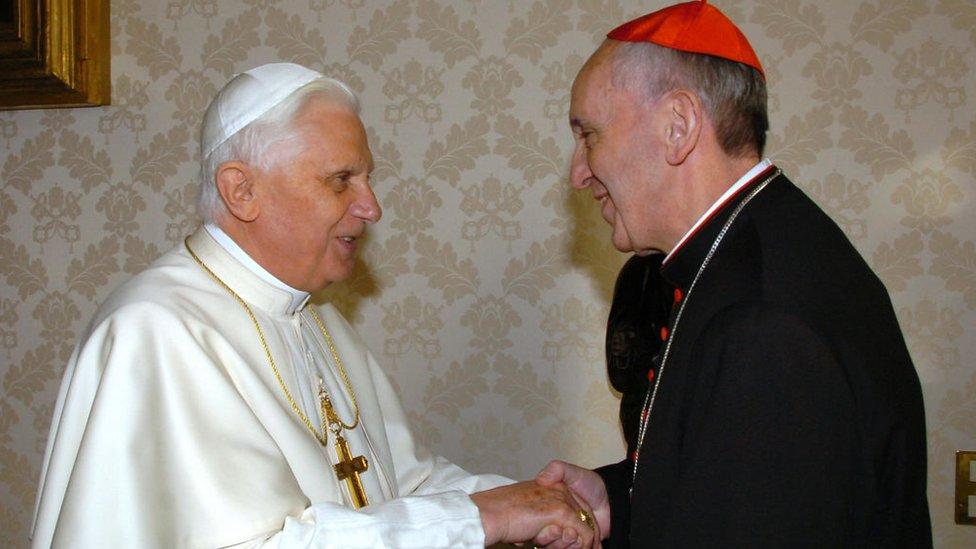 Ratzinger y Bergoglio