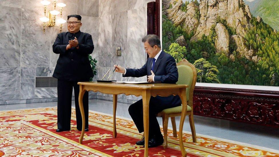 Mundo: Negociaciones de alto nivel buscan salvar la cumbre Kim-Trump