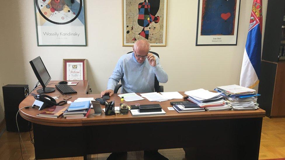 Rodoljub Šabić na nekadašnjem radnom mestu u Kancelariji Poverenika