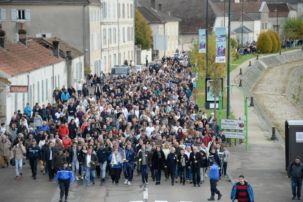 The silent march through Gray, France, 5 November