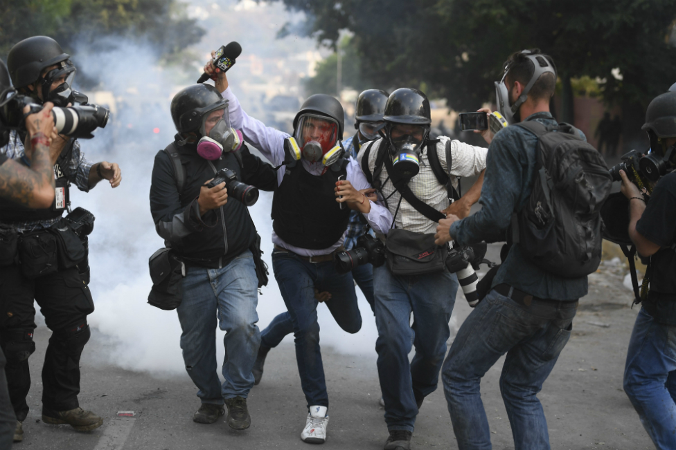povređeno novinar na protestu u Venecueli