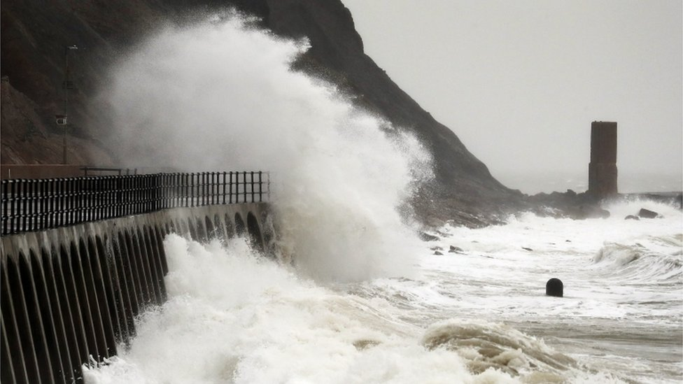 Storm Bella brings wind and flood warnings for Norfolk