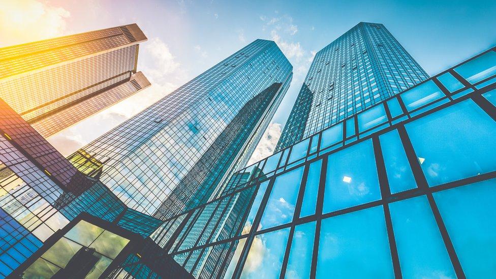 Las transformaciones apuntan a dividir los bancos en tres categorías.