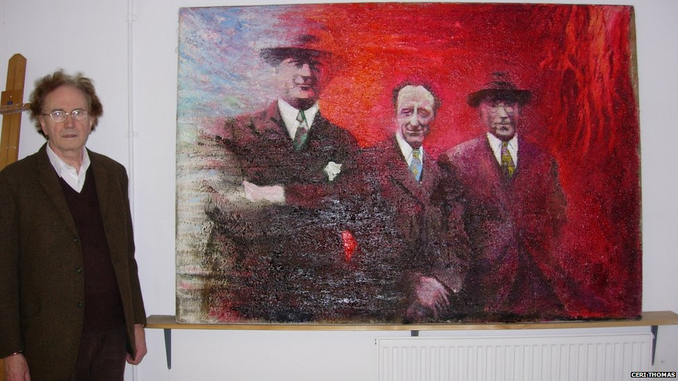 Ifor Davies gyda'i lun o Lewis Valentine, Saunders Lewis a D.J. Williams yn 2007