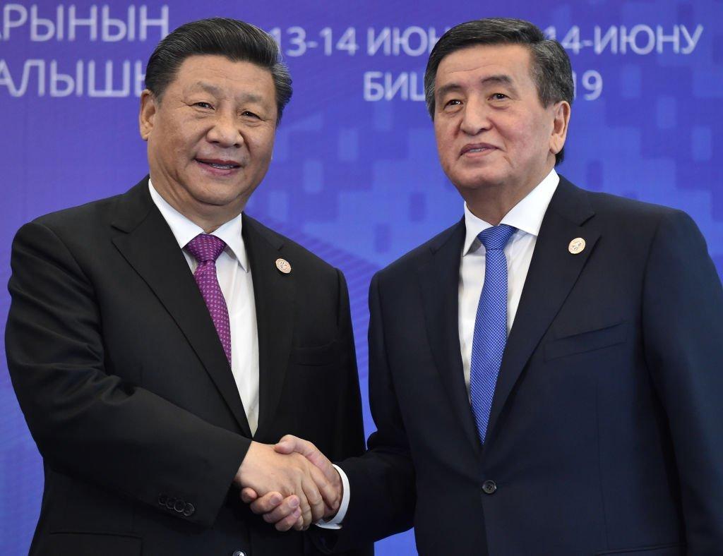 中國主席習近平2019年6月訪問吉爾吉斯斯坦,會見總統索隆拜·熱恩別科夫。
