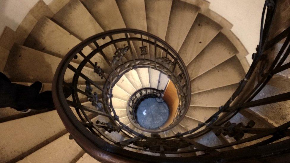 Escaleras basílica Budapest