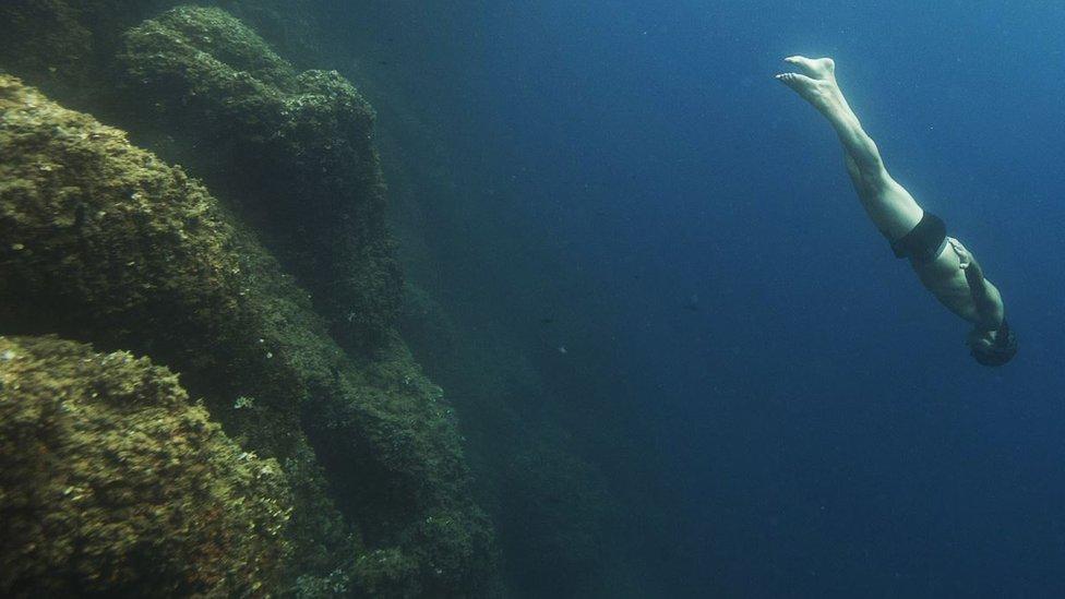 الضغط العالي تحت الماء قد يؤدي إلى أعراض قد تؤدي إلى الوفاة