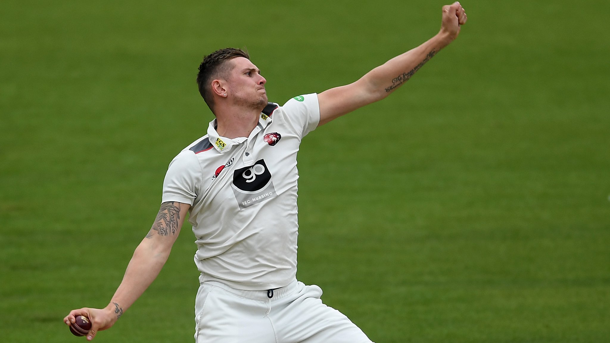 County Championship: Harry Podmore's five-wickets set up Kent win at Warwickshire