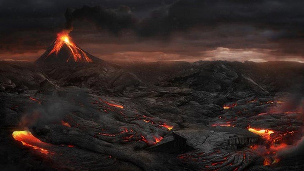 Un volcán en erupción.