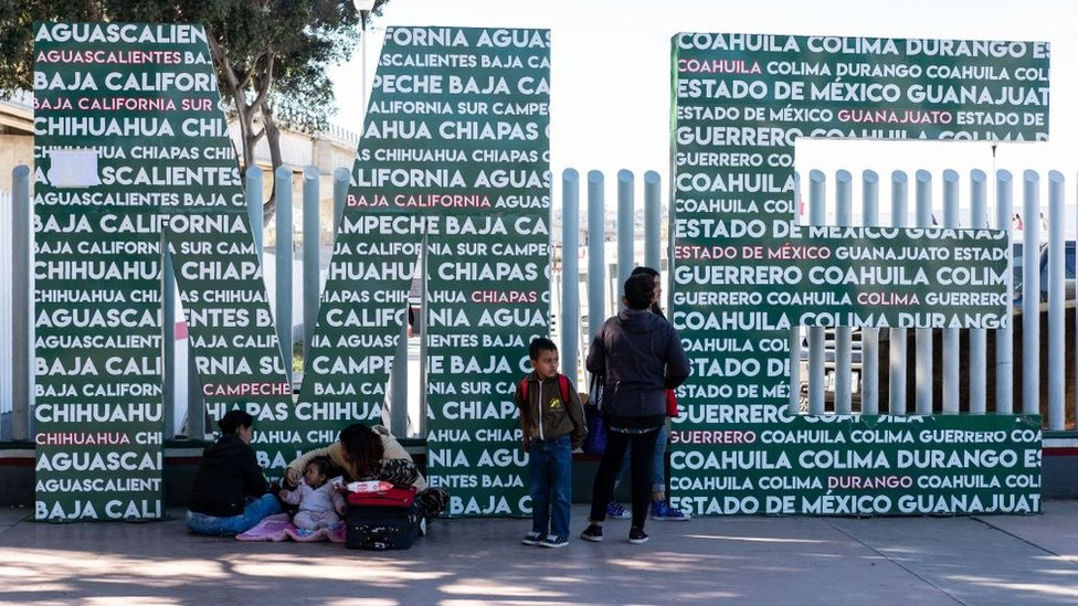 Inmigrantes en El Chaparral en Tijuana