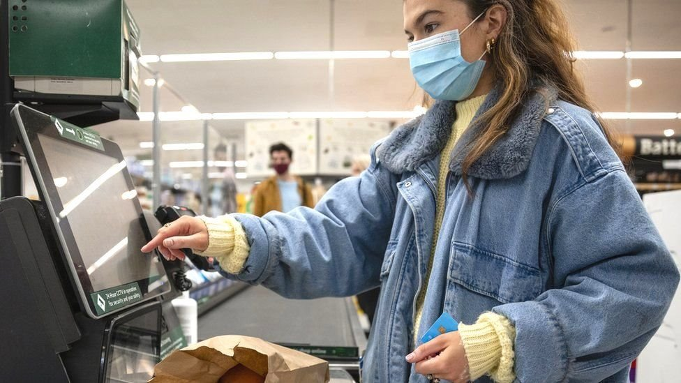 Коронавирус в Британии: рост числа заболевших, новый вариант