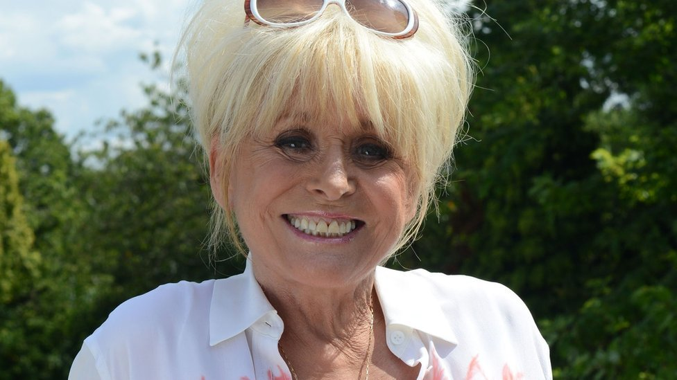 Dame Barbara Windsor is laid to rest thumbnail