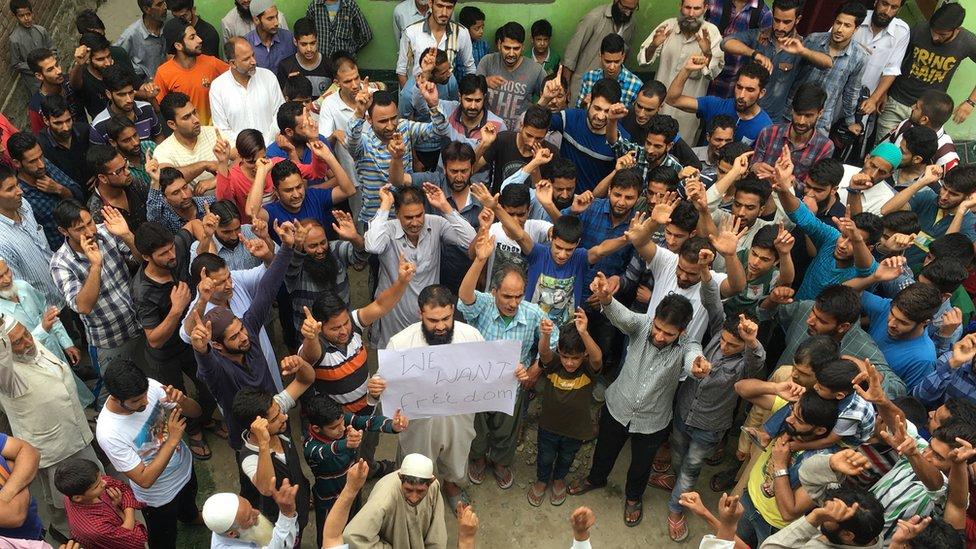 A crowd protests in Srinagar, Kashmir