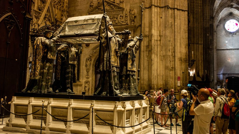 Tumba de Colón en la catedral de Sevilla