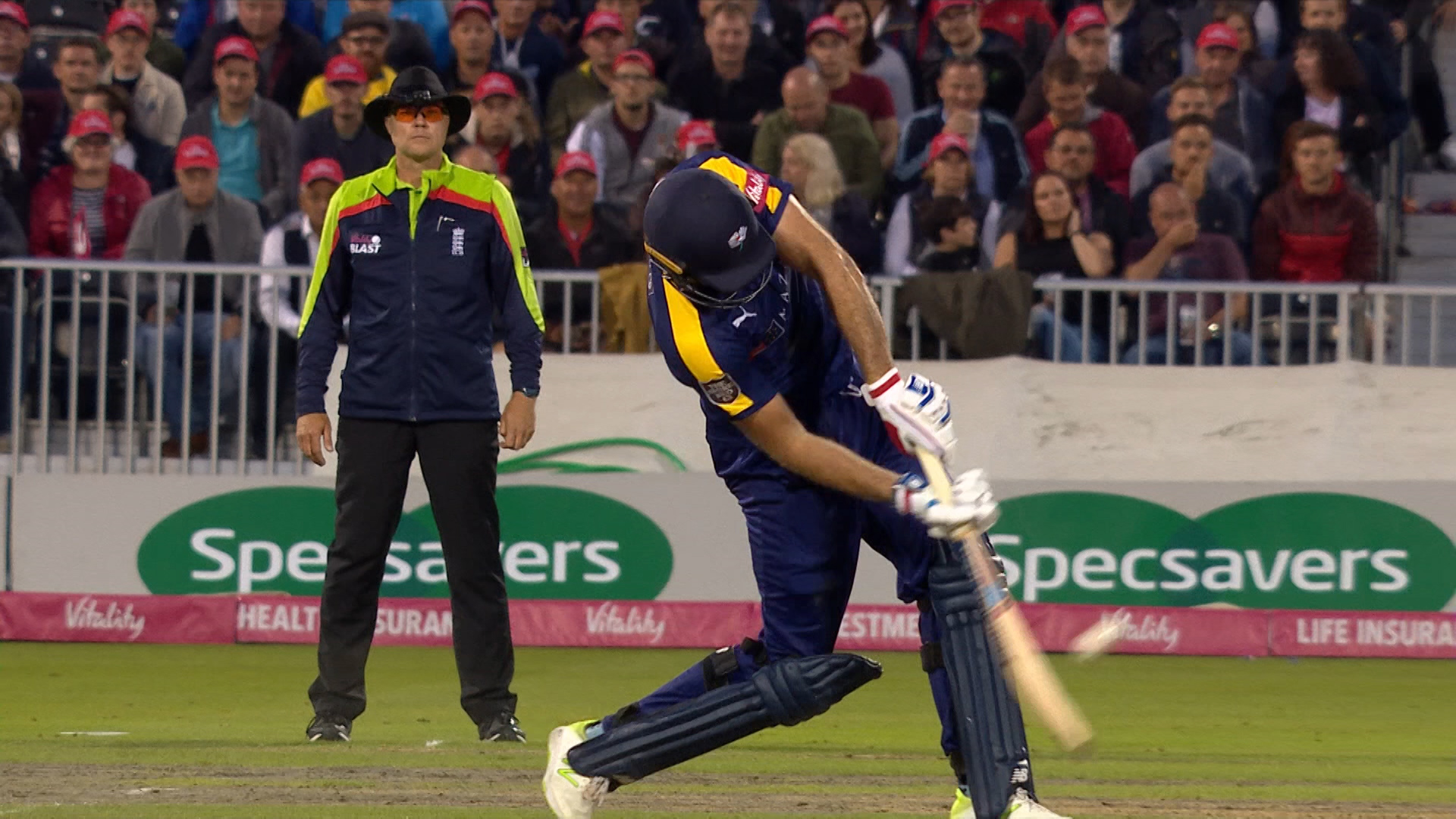 Lancashire Lightning v Yorkshire Vikings: 'It's gone miles!' - Plunkett hits massive six