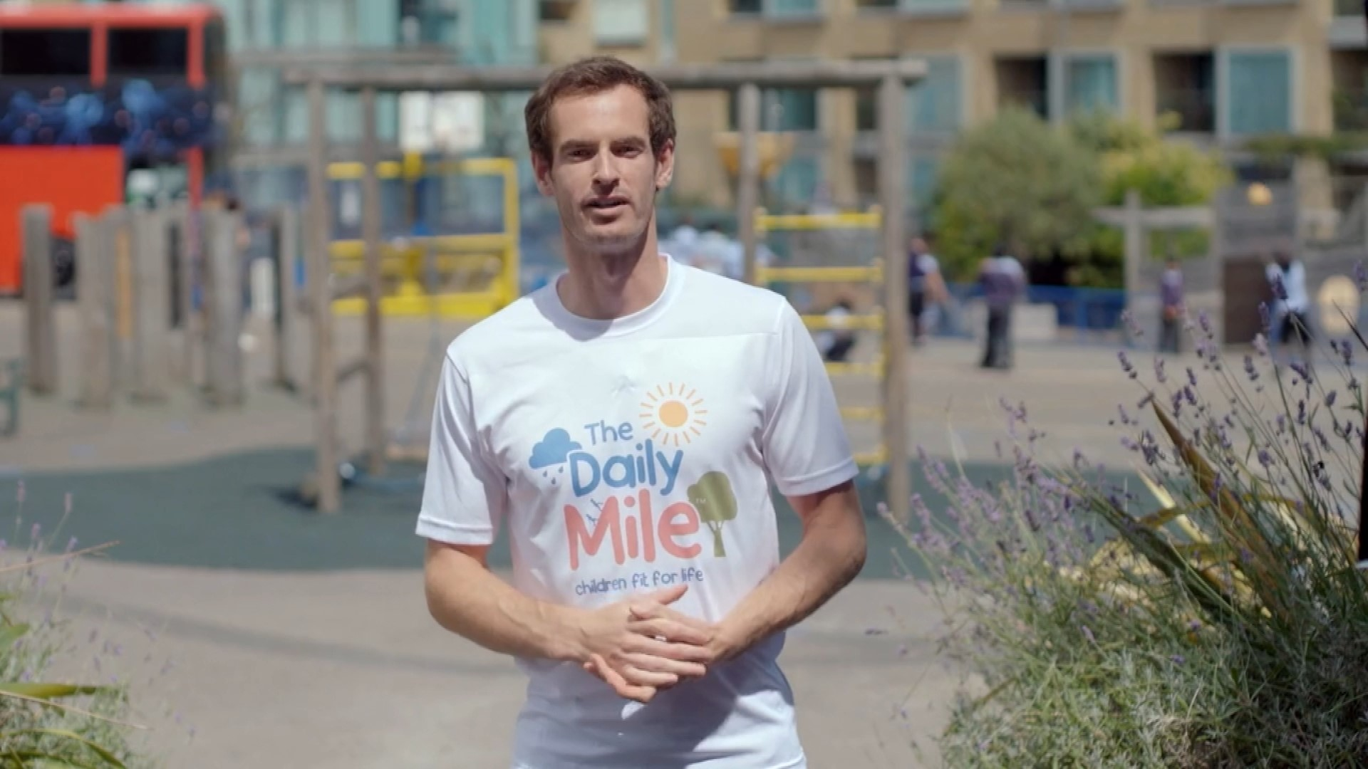 Andy Murray encourages children to run The Daily Mile
