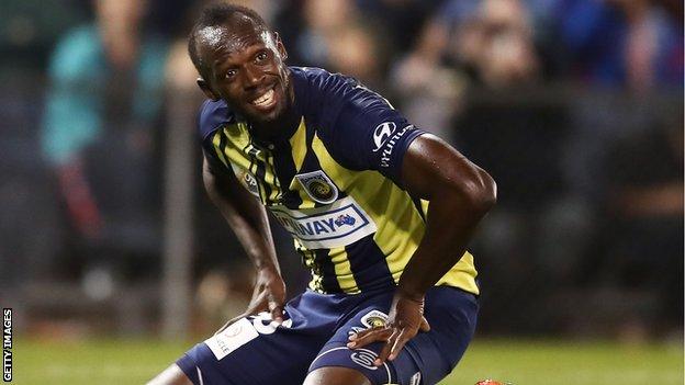 Usain Bolt Avustralya ekibi Central Coast Mariners'da deneme maçına çıkmış ve ilk golünü atmıştı