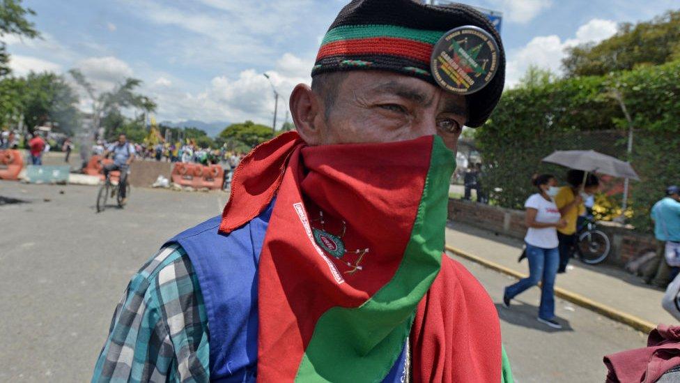 Miembro de la Guardia Indígena,