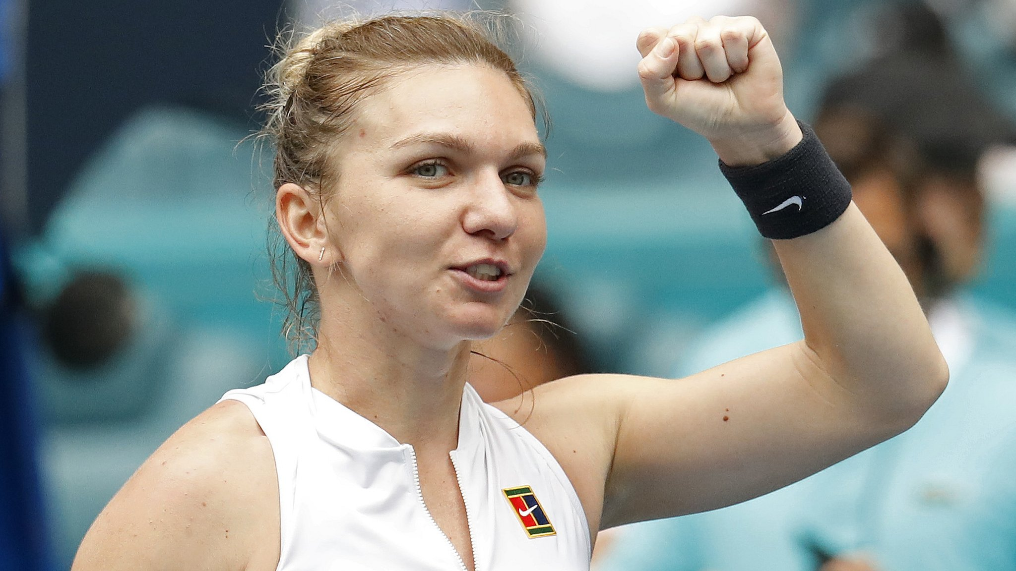 Halep beats Williams to reach Miami quarters