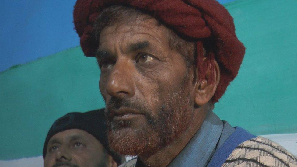 आर्मी के कुली का सिर काट कर ले गया पाकिस्तान?