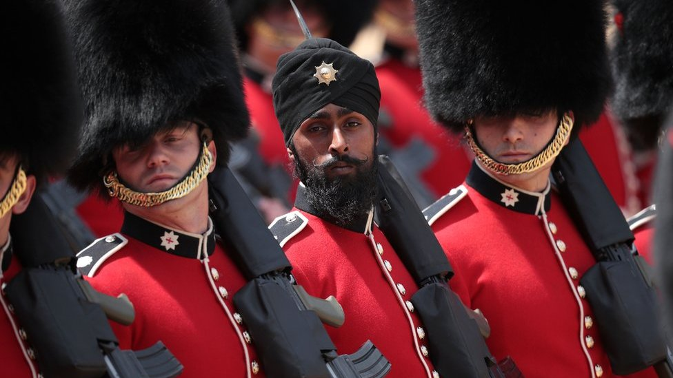 First Sikh turban-wearing guardsman fails drugs test