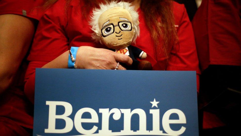 "Cartel que dice ""Bernie"""