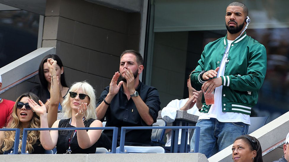 Drake watching Serena Williams at the US Open in 2015