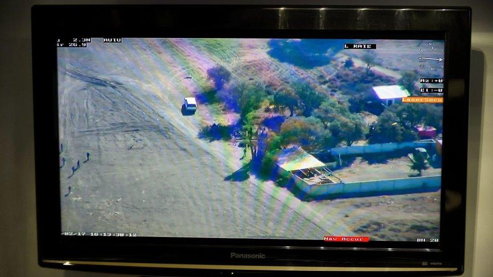 Imagen de una cámara de seguridad en Pemex.