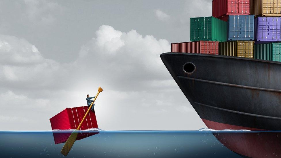Dibujo de barcos exportadores.