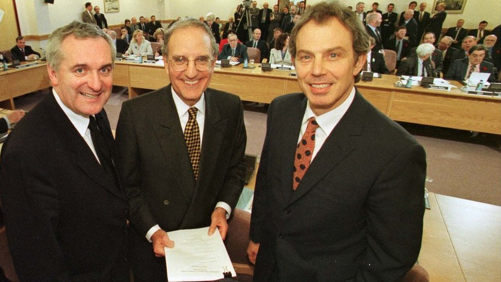Bertie Ahern, George Mitchell and Tony Blair in 1998