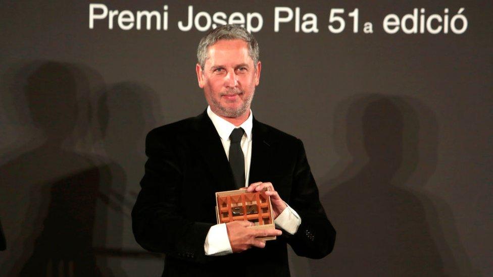 Guillermo Martínez recibe el premio Nadal de Novela 2019.