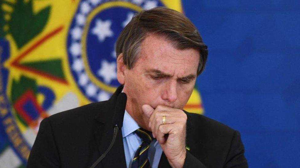 Brezilya Devlet Başkanı Jair Bolsonaro, Covid krizini küçümseyen açıklamaları nedeniyle eleştirilerin odağında.