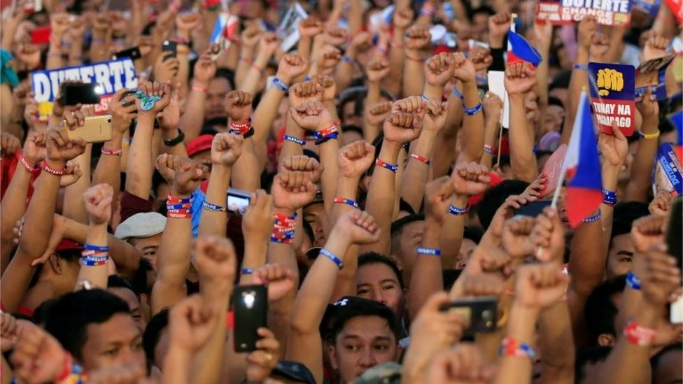 Duterte supporters at a rally in Manila, Philippines (7 May 2016)