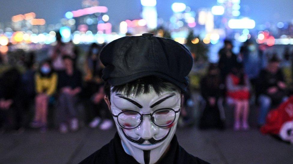 香港蒙面示威者