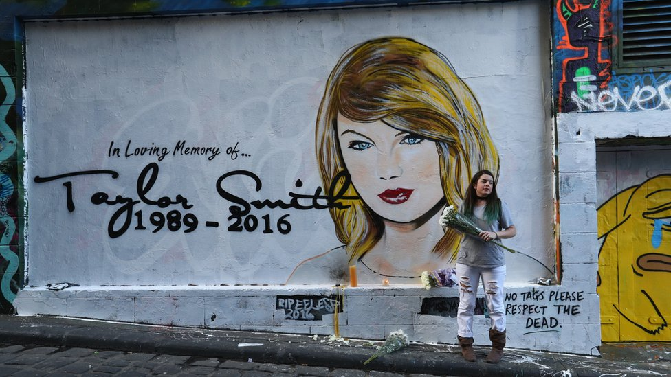 Taylor Swift Or Smith Mural Defaced In Melbourne Bbc News