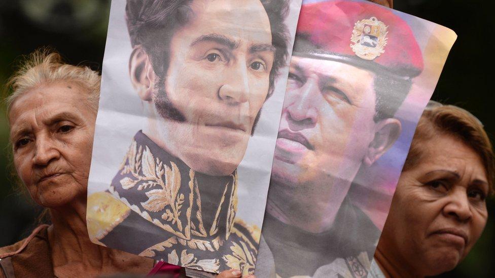 Bolívar y Chavez en marcha en Venezuela