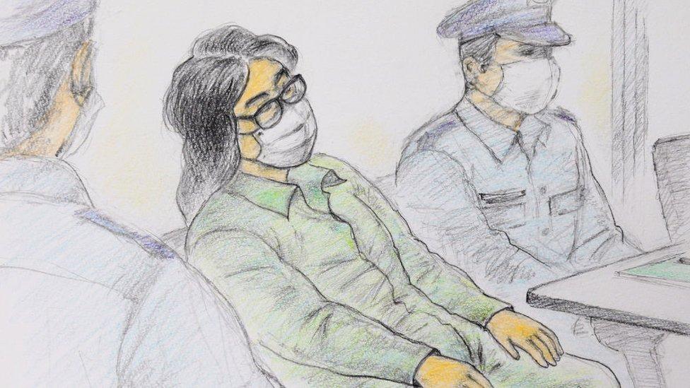 Dibujo creado por Masato Yamashita el 30 de septiembre de 2020 que muestra a Takahiro Shiraishi en un tribunal de Tokio.