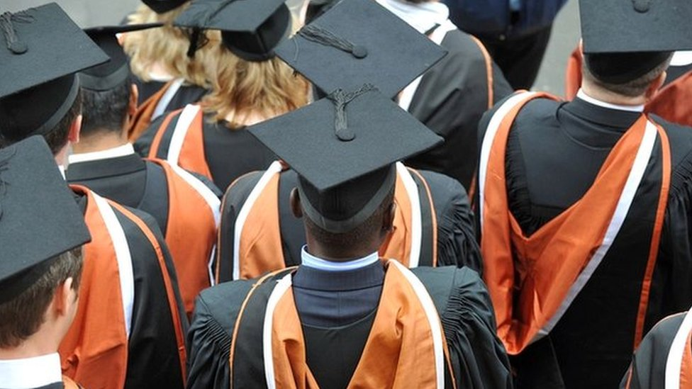 Government to examine university grade inflation