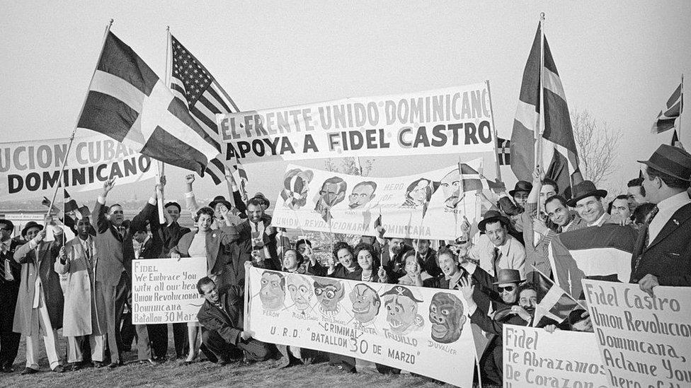 Tras el triunfo de la revolución en Cuba, algunos grupos de exilados dominicanos esperaban que Castro les ayudara a derrocar a Trujillo.