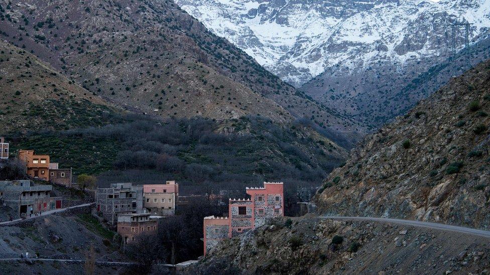 عثر على جثتي الضحيتين في منطقة معزولة في قمة جبال أطلس