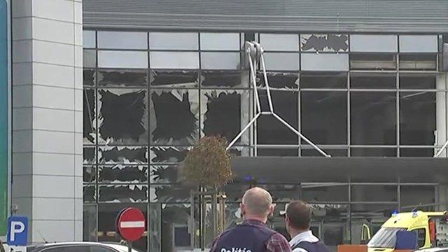 ブリュッセル空港爆発 現場の様子 - BBCニュース