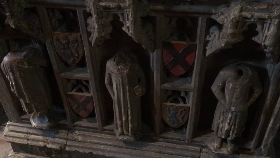 Figurines on the Ralph Neville tomb