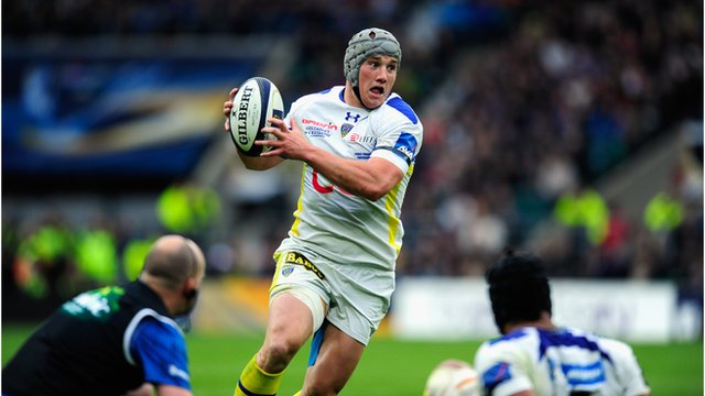 Jonathan Davies in action for Clermont Auvergne against Toulon in the 2015 European Rugby Champions Cup Final.