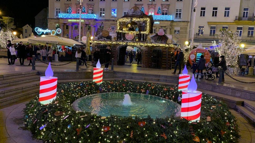 Detalj sa Trga Bana Jelačića u centru Zagreba, zima 2019.