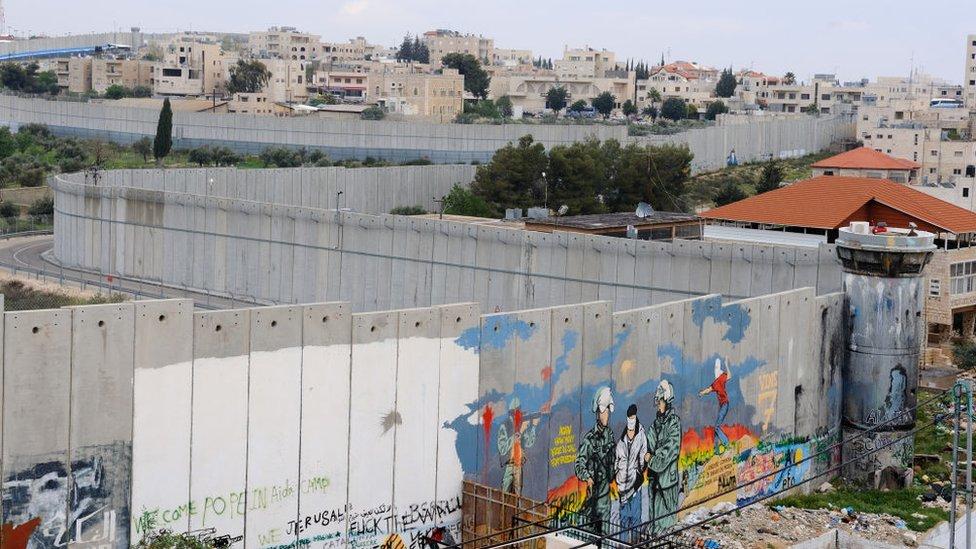 El muro de concreto de Israel