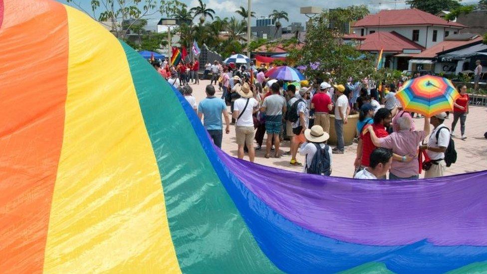 Manifestación de la comunidad gay en Costa Rica