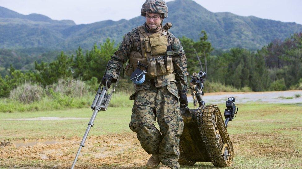有人担心,自主的人工智能士兵可能会在未来找到方式登陆战场。(photo:EBCTW)