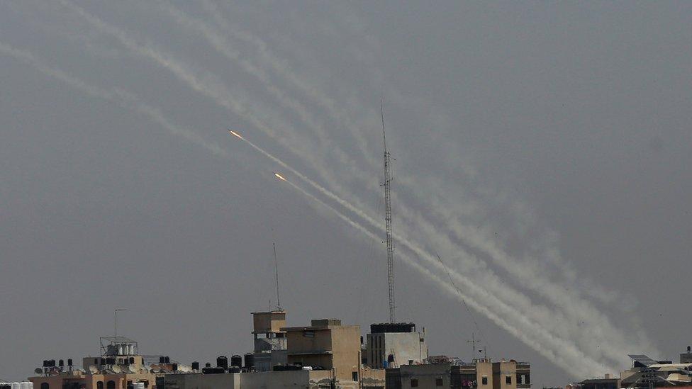 Cohetes disparados desde apartamentos en Gaza