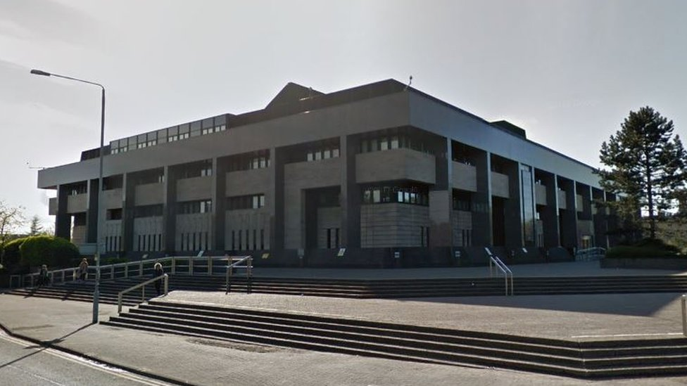 Man appears in court after Glasgow flat disturbance